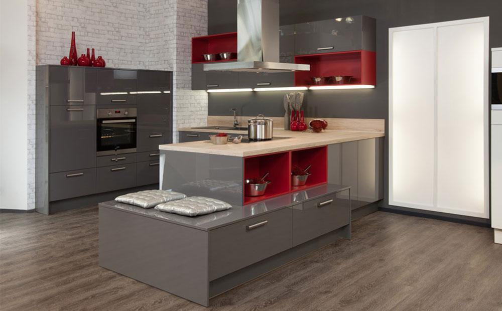 Stilvolle U-Küche mit Theke