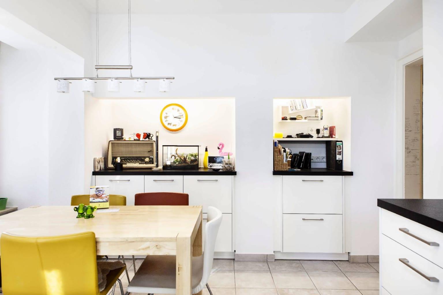 Mehrteilige Wohnküche in Hochglanz (2)