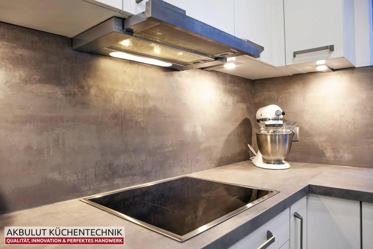 Moderne Küche in L-Form mit Edelstahloptik (6)