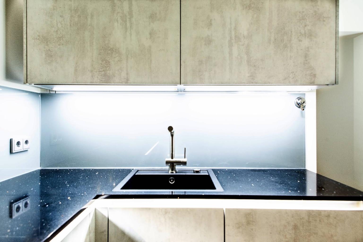 U-Küche in Beton-Optik (4)