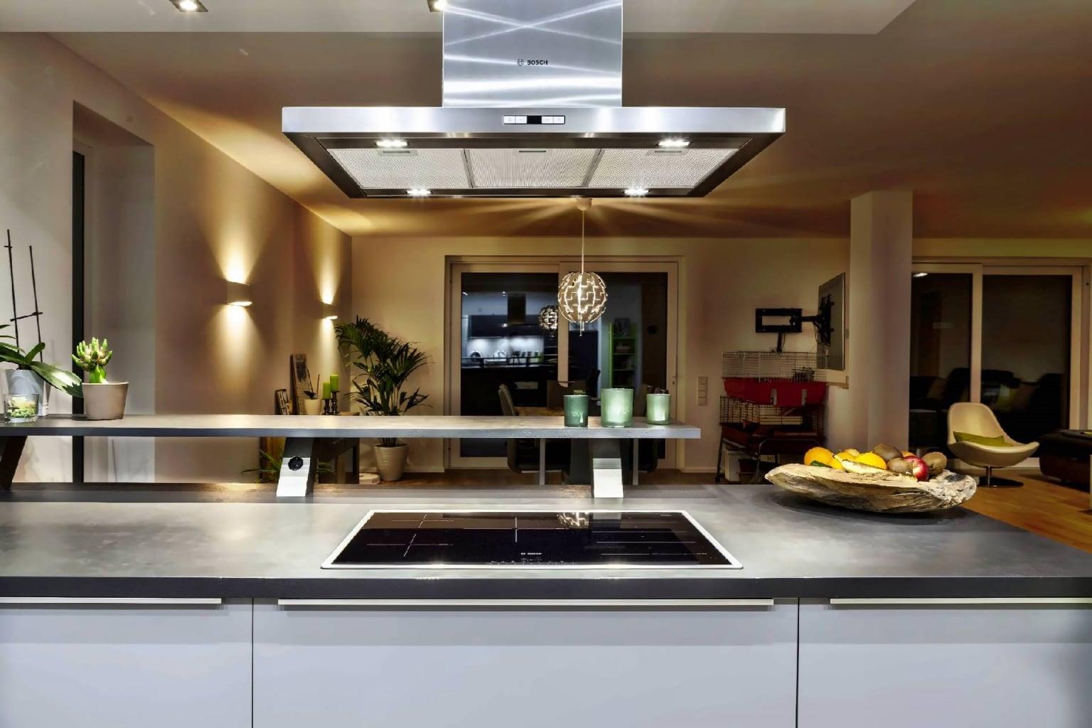 U-förmige Küche offen zum Wohnraum (3)